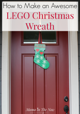 How to make an awesome LEGO Christmas wreath. LEGO Christmas decoration. LEGO Christmas stocking instructions. Decorate your home with Christmas LEGO decorations this year. This LEGO wreath can easily be adapted to any season. #MamaintheNow
